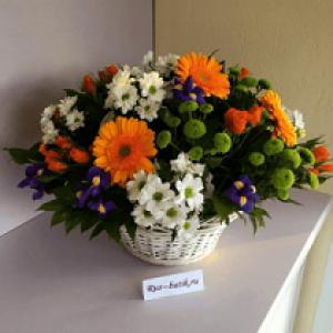 Корзина цветов 06